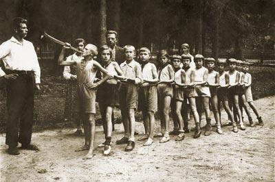 http://history-gatchina.ru/article/img4/pioner1.jpg